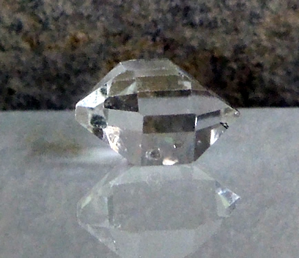 Double terminated seed crystal seen in photograph.